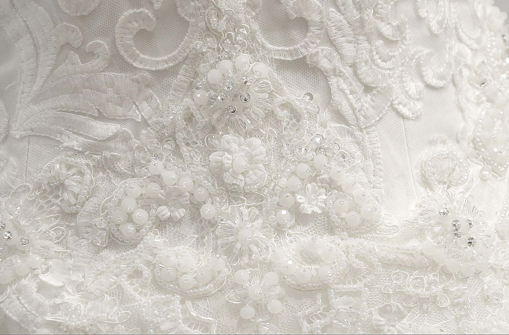 Wedding dresses with high quality and low prices for dealers B2B.